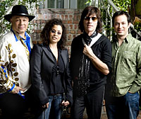 Jeff Beck & Band (c: Bill Reitzel)
