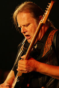 Walter Trout (c: Dietmar Hoscher)