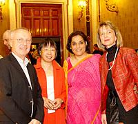 JFW Pressekonferenz 2011: Fritz Thom/JFW, Ritu Halder & Maria van Burik/UNWG